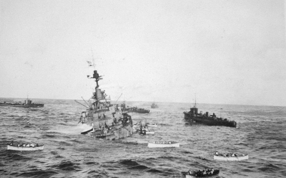 Le RMS Olympic et le HMS Audacious
