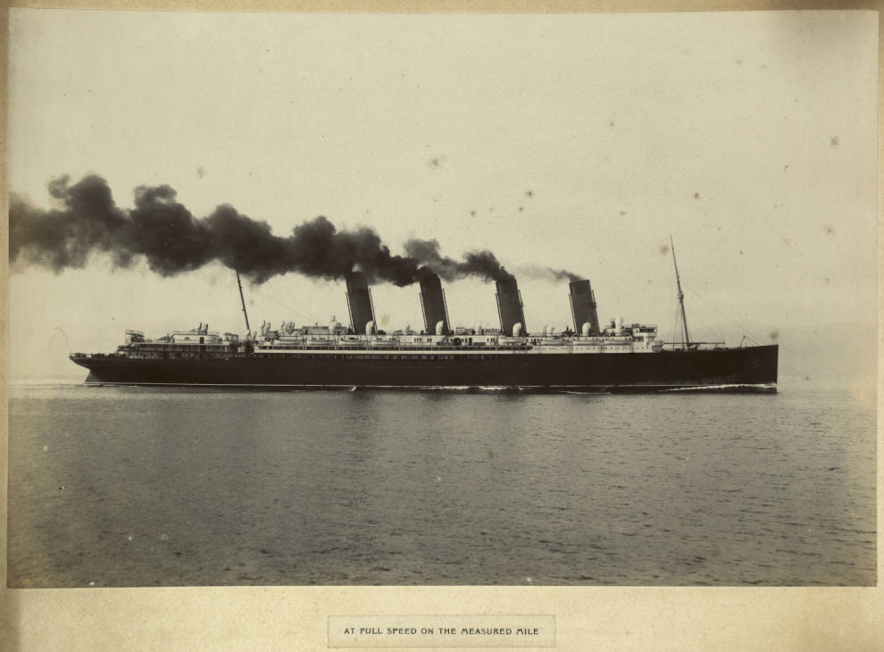 RMS Mauretania full speed