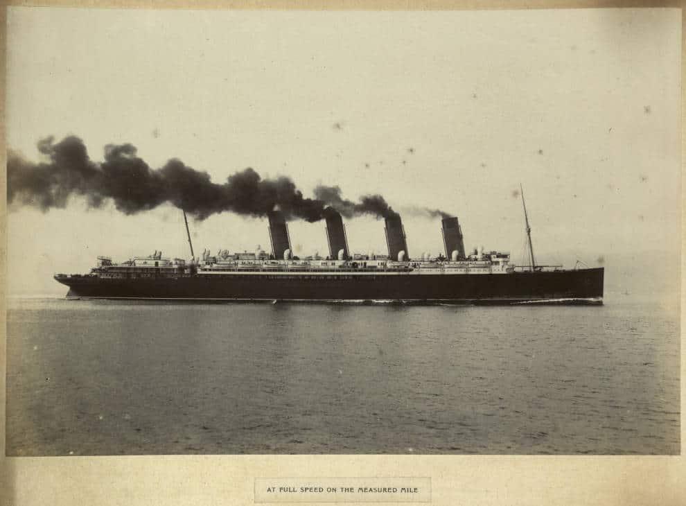 RMS Mauretania full speed
