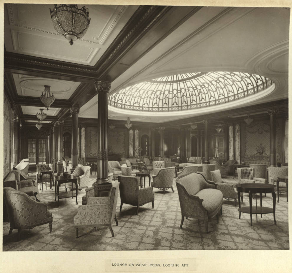 RMS Mauretania salon